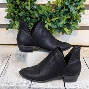 """Madden girl """" Blaine"""" black ankle booties size 9"""